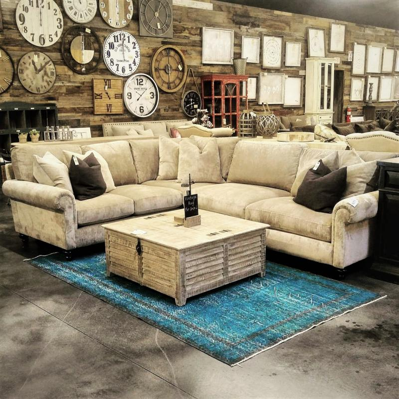 Etonnant Many Styles On Display In Our Showroom!